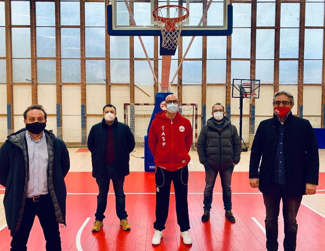 basket-b,-e-derby-tra-giulia-basket-e-rennova-tasp:-da-teramo…