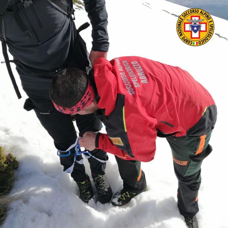nuovo-incidente-sul-velino-nel-giorno-dei-funerali-dei-quattro-escursionisti,-recuperati-due-giovani-alpinisti