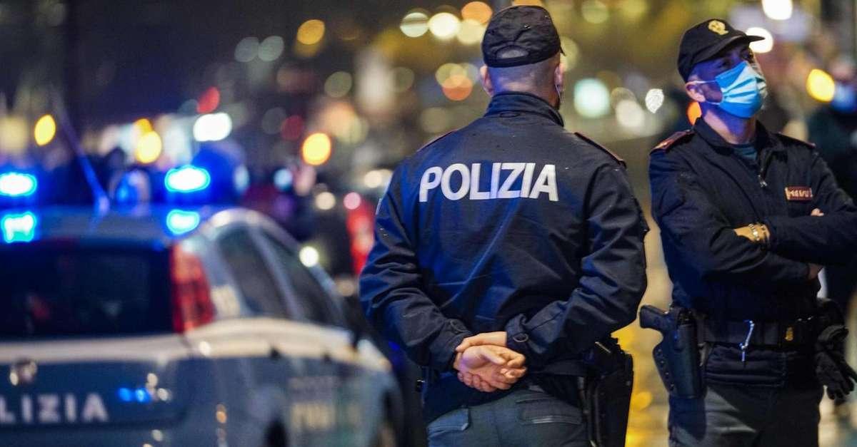poliziotto-ferito-con-una-testatavigilava-sugli-assembramenti