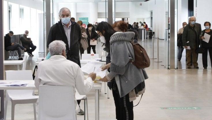 le-regioni-dovranno-vaccinare-anche-chi-vi-abita-per-lavoro-o-assistenza-familiare