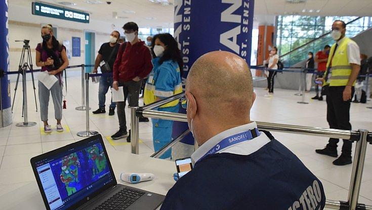 covid,-area-per-tamponi-rapidi-nell'aeroporto-di-bari:-90-test-ogni-ora.-esito-in-20-minuti