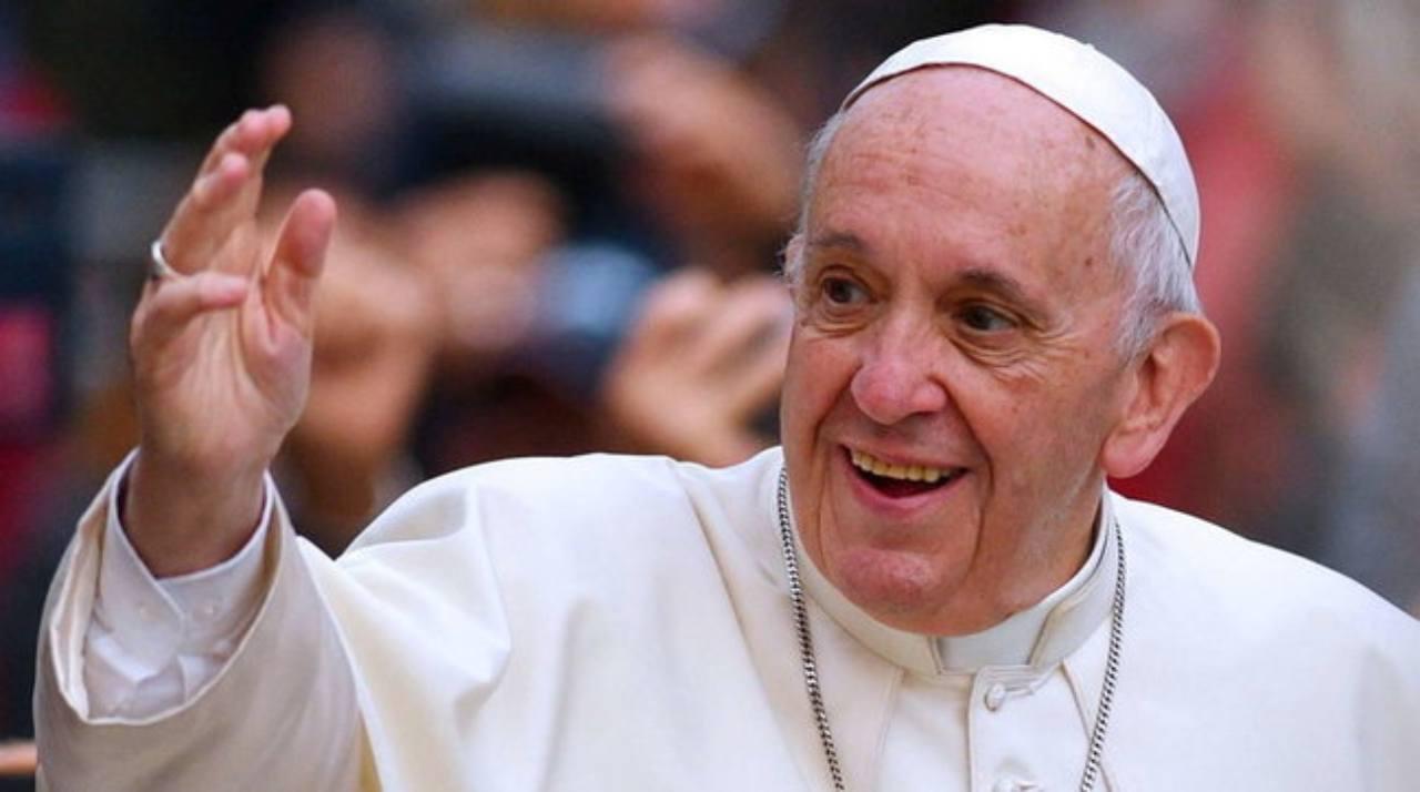 papa-francesco-le-foto-mai-viste-|-com'e-cambiato-il-pontefice-negli-anni