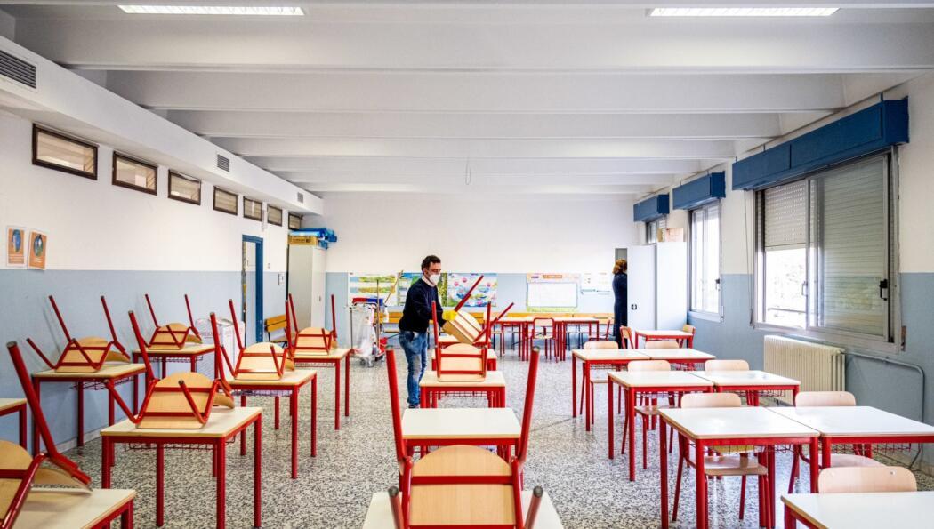 covid:-dopo-un-mese-in-abruzzo-riaprono-le-scuole,-superiori-in-dad-al-50-per-cento