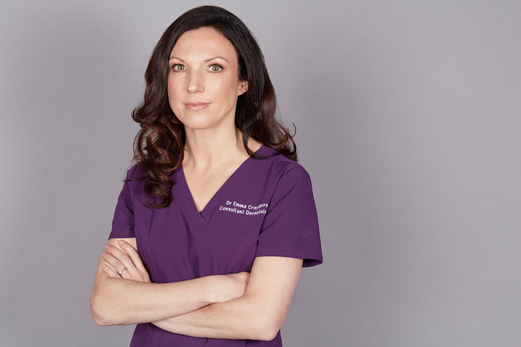 la-clinica-della-pelle:-cio-che-forse-ancora-non-sapete-sulla-dottoressa-emma-craythorne