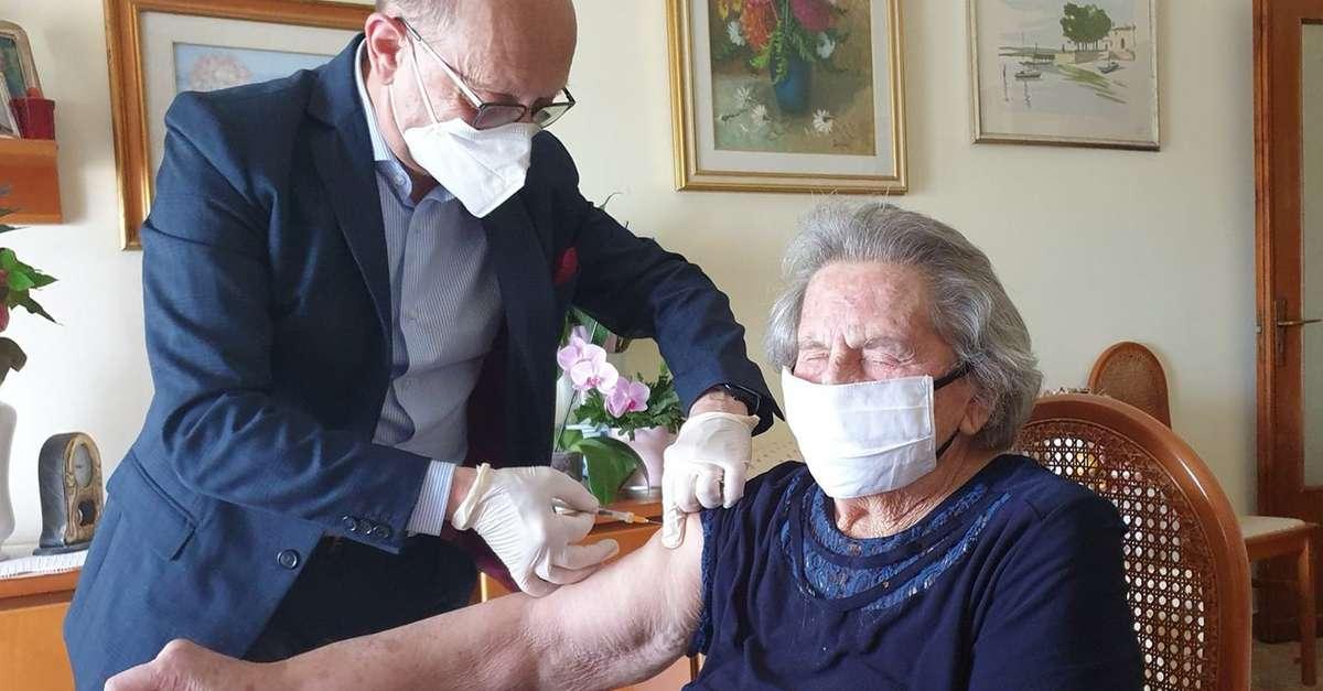 e-ferrara-vaccina-i-pazienti-a-casa