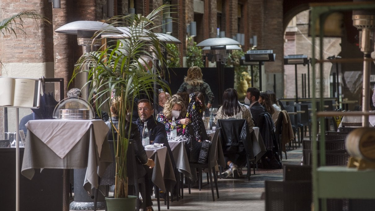pranzo-al-ristorante-e-meteo,-il-rebus-delle-regole.-il-caso-veneto-fa-esplodere-la-protesta