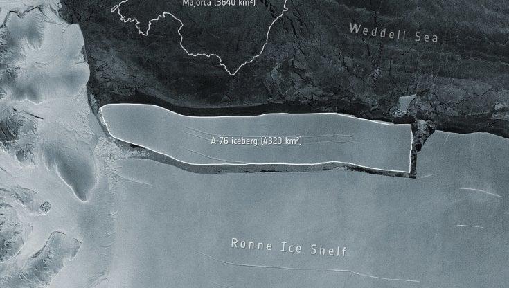 iceberg-da-record-si-stacca-dall'antartide,-e-piu-grande-dell'isola-di-maiorca