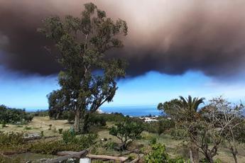 stromboli,-oggi-nuova-forte-eruzione-e-colonna-di-fumo