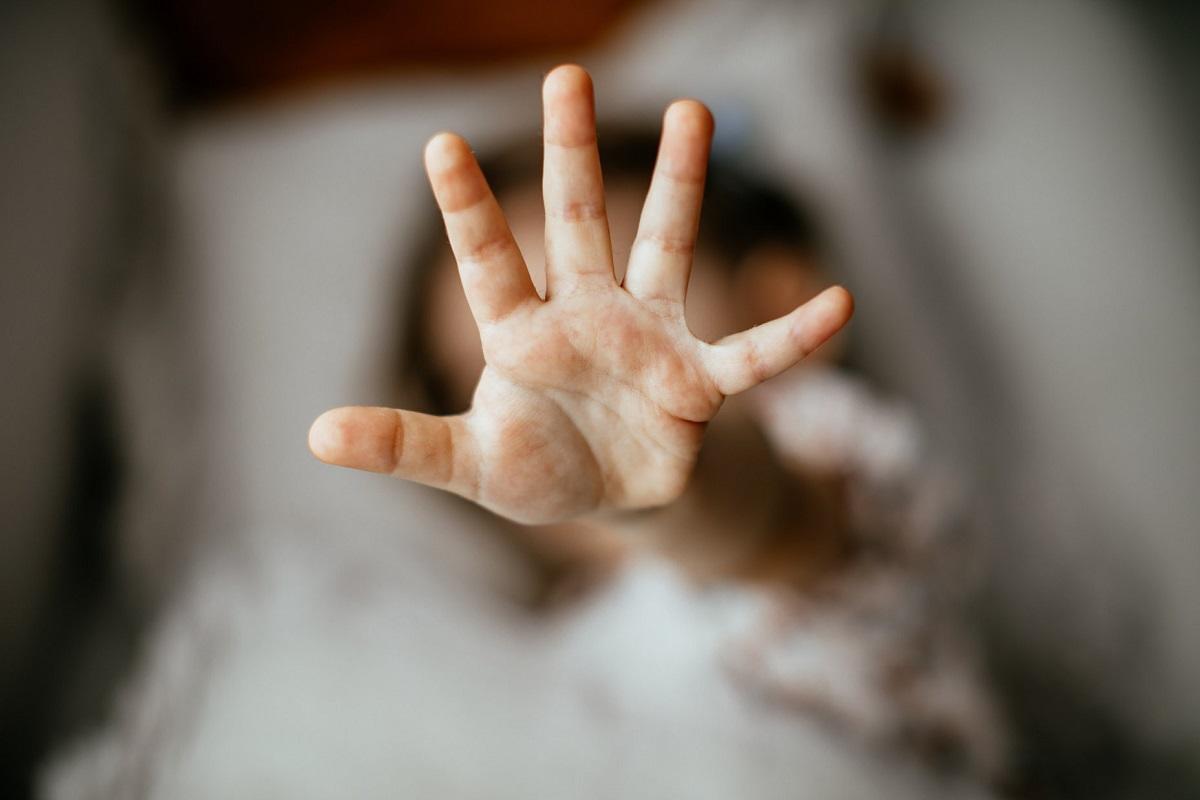 abusi-ripetuti-sul-figlio:-carcere-per-un-55enne-padovano