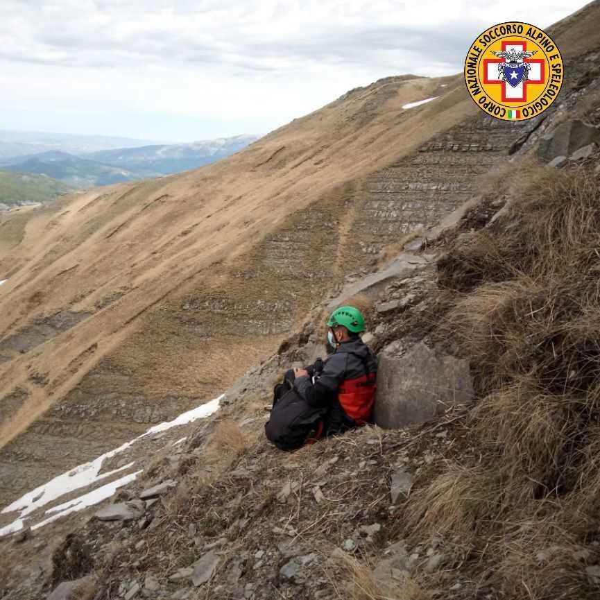 incidenti-di-montagna,-a-valle-castellana-recuperato-un-uomo-fuori-sentiero