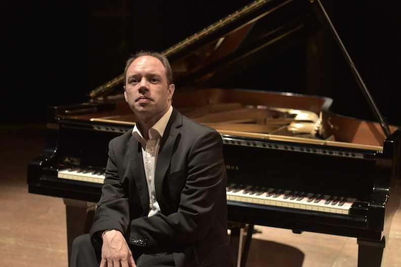ultimo-appuntamento-della-riccitelli-con-il-virtuosismo-del-pianista-olaf-john-laneri