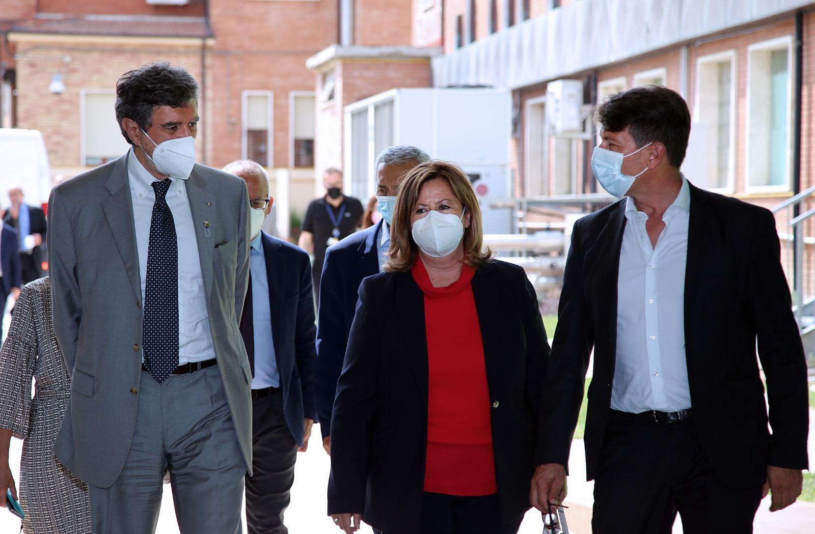 covid,-marsilio,-dal-sottosegretario-alla-salute-abruzzo-esempio-da-seguire-nella-lotta-alla-pandemia