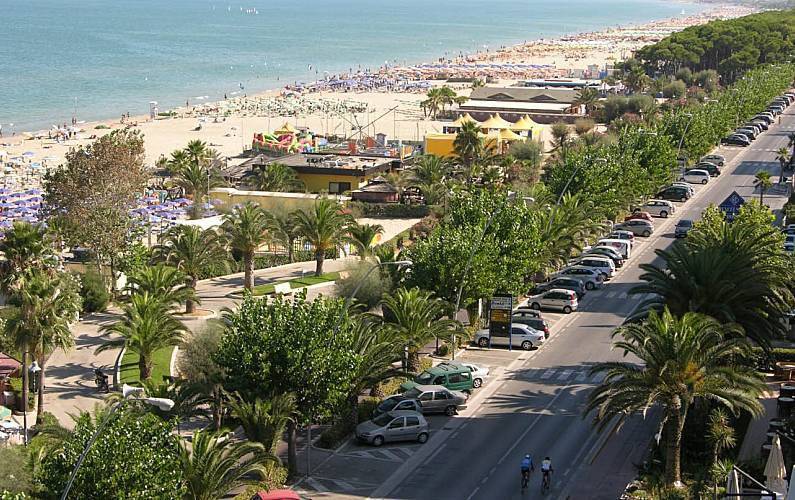 """""""beach-covid-free"""",-asl-di-teramo-lancia-campagna-con-camper-attrezzato-nei-comuni-della-costa"""