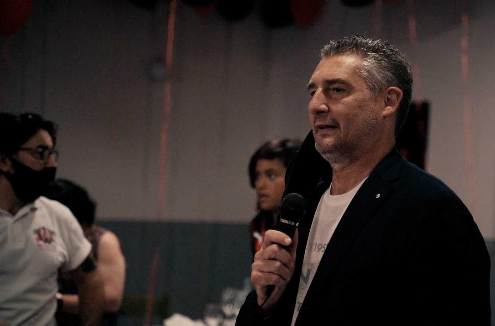 video-e-foto|-milan-club-val-vibrata:-entusiasmo-e-solidarieta-nella-serata-con-daniele-massaro
