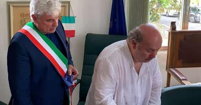 """lino-banfi-riceve-la-cittadinanza-onoraria:-""""abruzzo-terra-meravigliosa""""-/-video"""