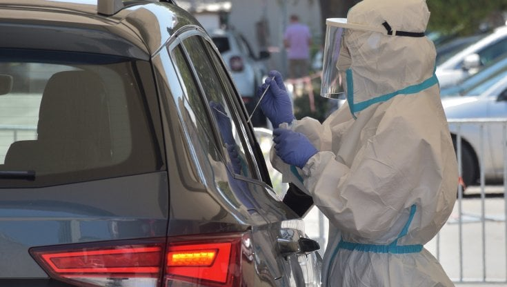 coronavirus-italia,-il-bollettino-di-oggi-21-luglio:-4259-nuovi-casi-e-21-decessi.-il-tasso-di-positivita-sale-all'1,8%
