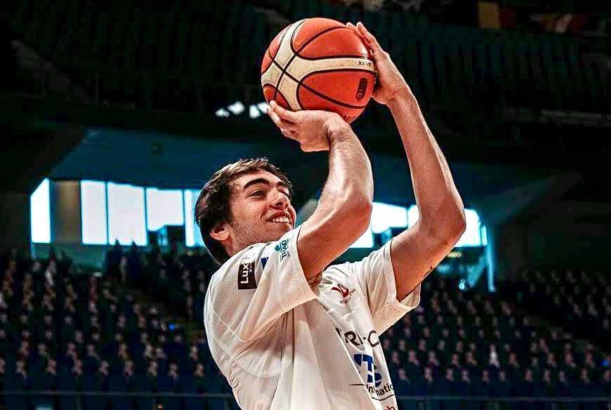 basket-b,-teramo:-la-guardia-ala-alessandro-bonci-e-un-nuovo-giocatore-della-rennova