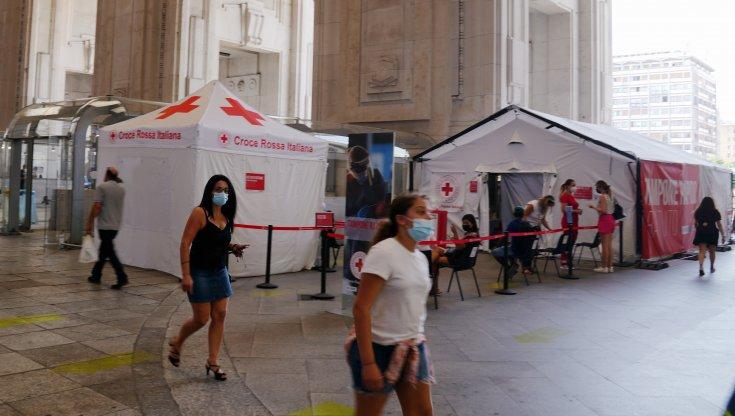 coronavirus-italia,-il-bollettino-di-oggi,-22-luglio:-5057-nuovi-casi-e-15-morti.-sale-il-tasso-di-positivita-al-2,3%