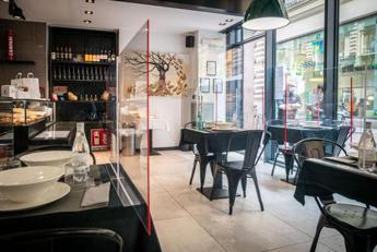 green-pass-italia,-in-ristoranti-e-bar-solo-al-chiuso-e-al-tavolo