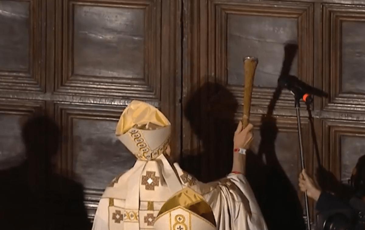 perdonanza-2021,-corteo-storico-e-apertura-porta-santa:-tutte-le-informazioni