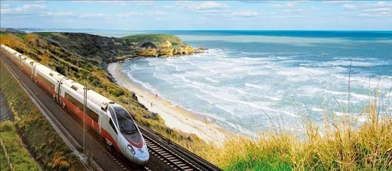 turismo:-in-abruzzo-300-mila-sui-treni-verso-localita'-balneari