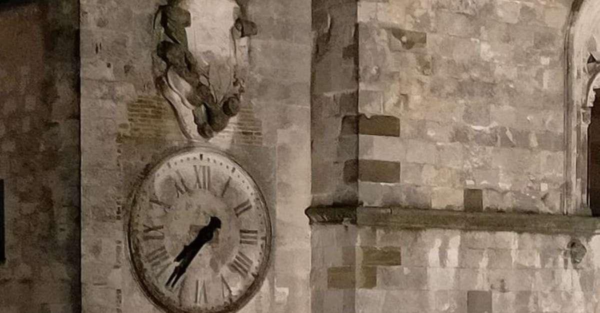 fulmine-ferma-l'orologio-del-duomo