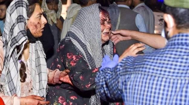attentato-kabul:-torre-civica-pescara-con-i-colori-dell'afghanistan