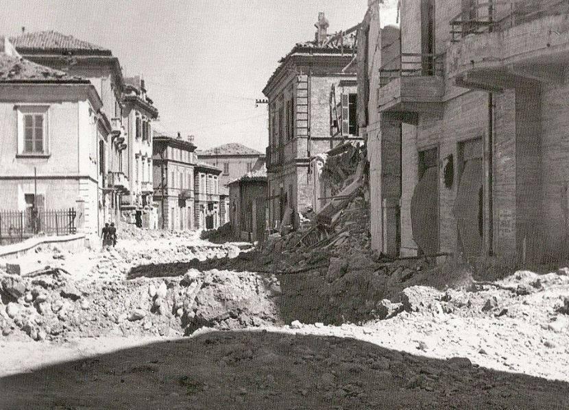 pescara-commemora-vittime-e-mutilati-bombardamento-del-31-agosto-1943