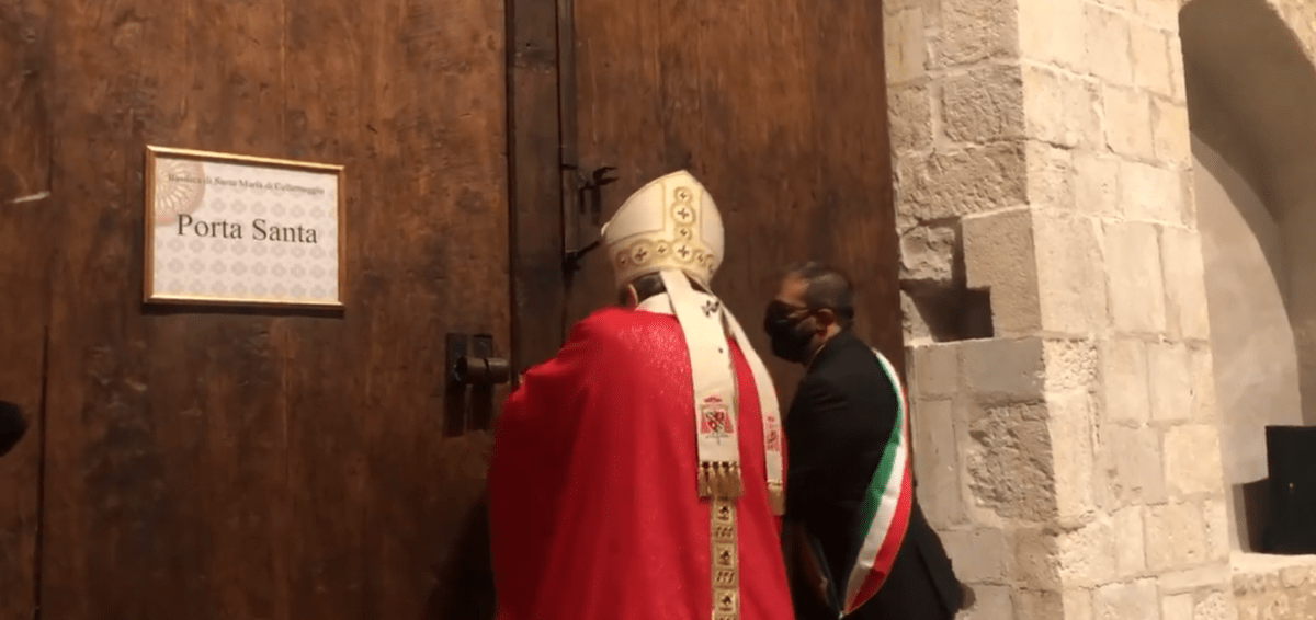 """perdonanza,-petrocchi:-""""chiediamo-al-signore-che-papa-francesco-venga-ad-aprire-la-porta-santa"""""""