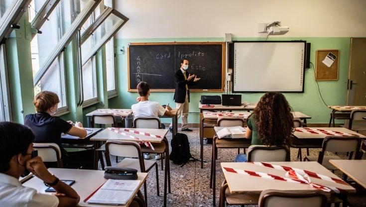 scuola,-dal-green-pass-alla-doppia-campanella,-alla-palestra-e-alle-mense:-cosi-si-tornera-in-classe