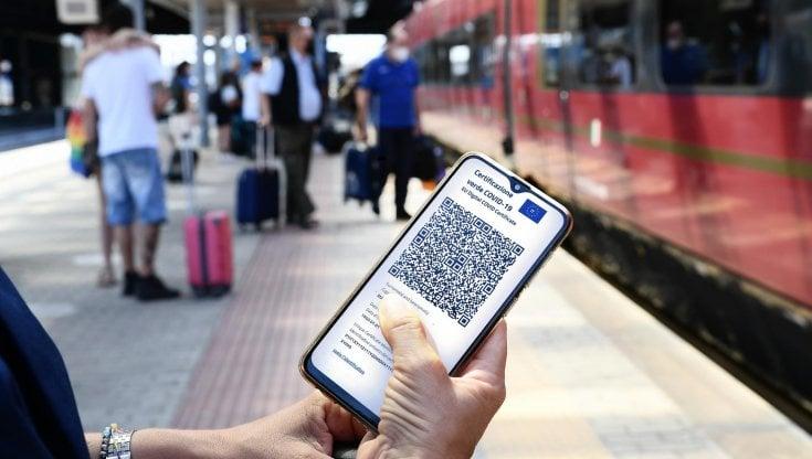 treni,-aerei,-traghetti,-scuola-e-universita:-da-oggi-la-nuova-era-del-green-pass
