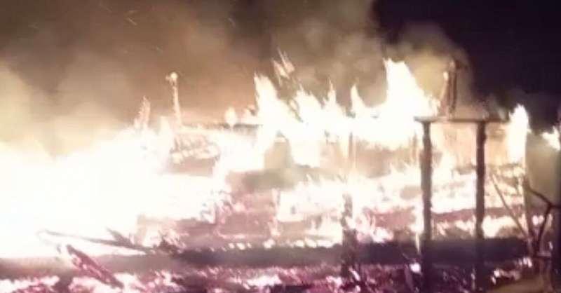 in-fiamme-nella-notte-il-ristorante-rifugio-fonte-vetica:-distrutto-dal-fuoco