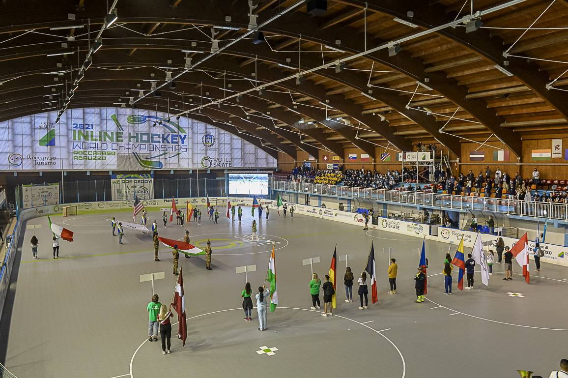 al-via-i-mondiali-hockey-inline-di-roccaraso,-emozioni-al-palaghiaccio-per-cerimonia-apertura