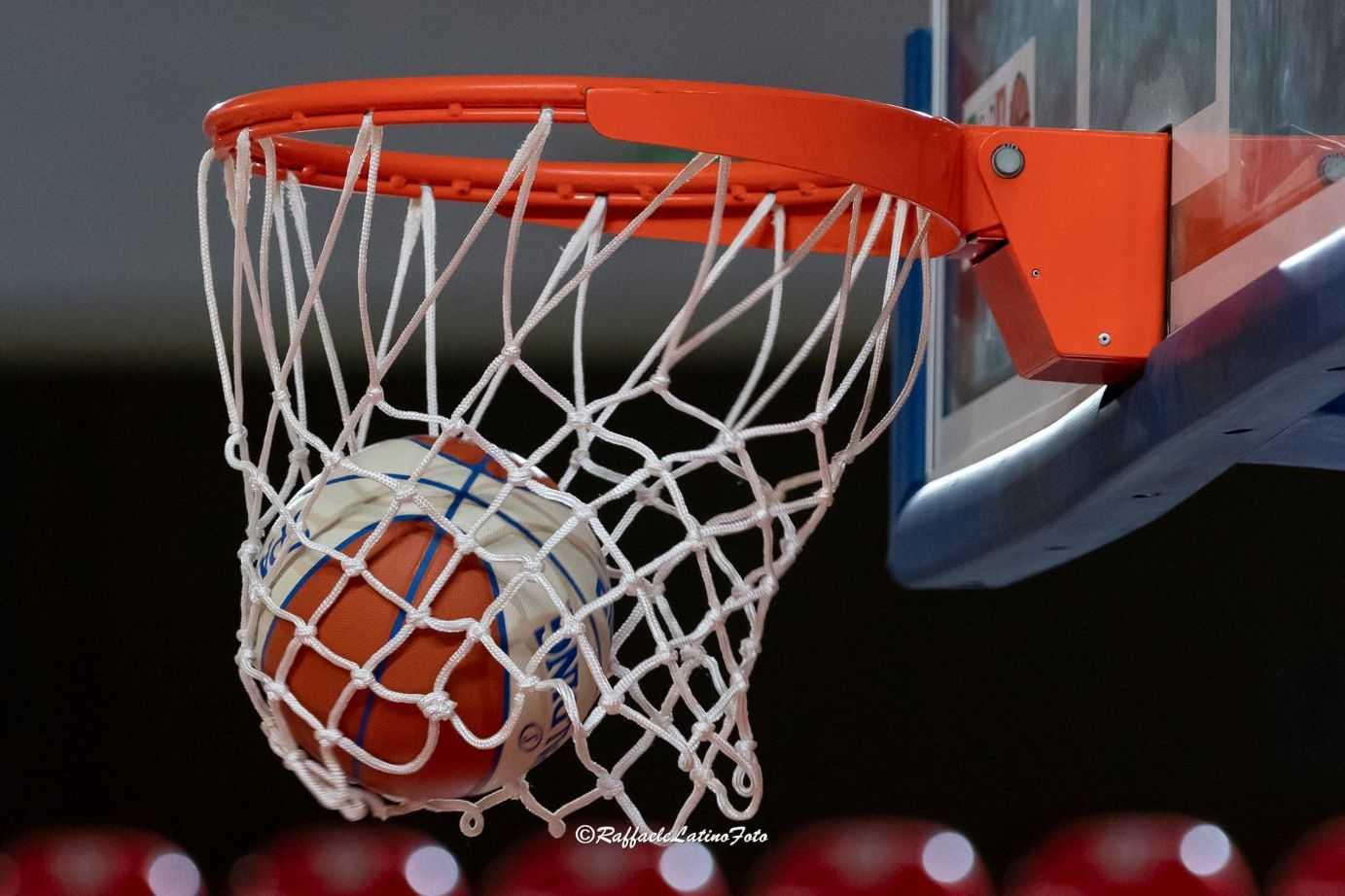 basket-supercoppa,-la-liofilchem-supera-la-rennova-tasp-e-la-elimina-(71-58)