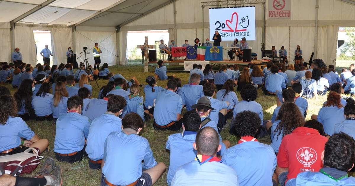 gli-alpini-celebrano-i-loro-cadutie-don-ciotti-parla-agli-scout