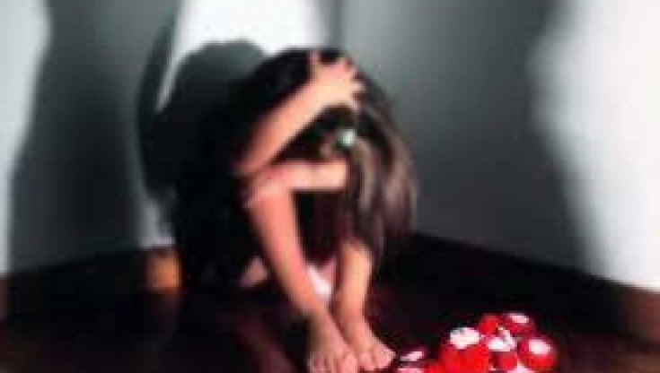 oristano,-17enne-vittima-di-abusi-chiede-aiuto-con-codice-1522-in-farmacia