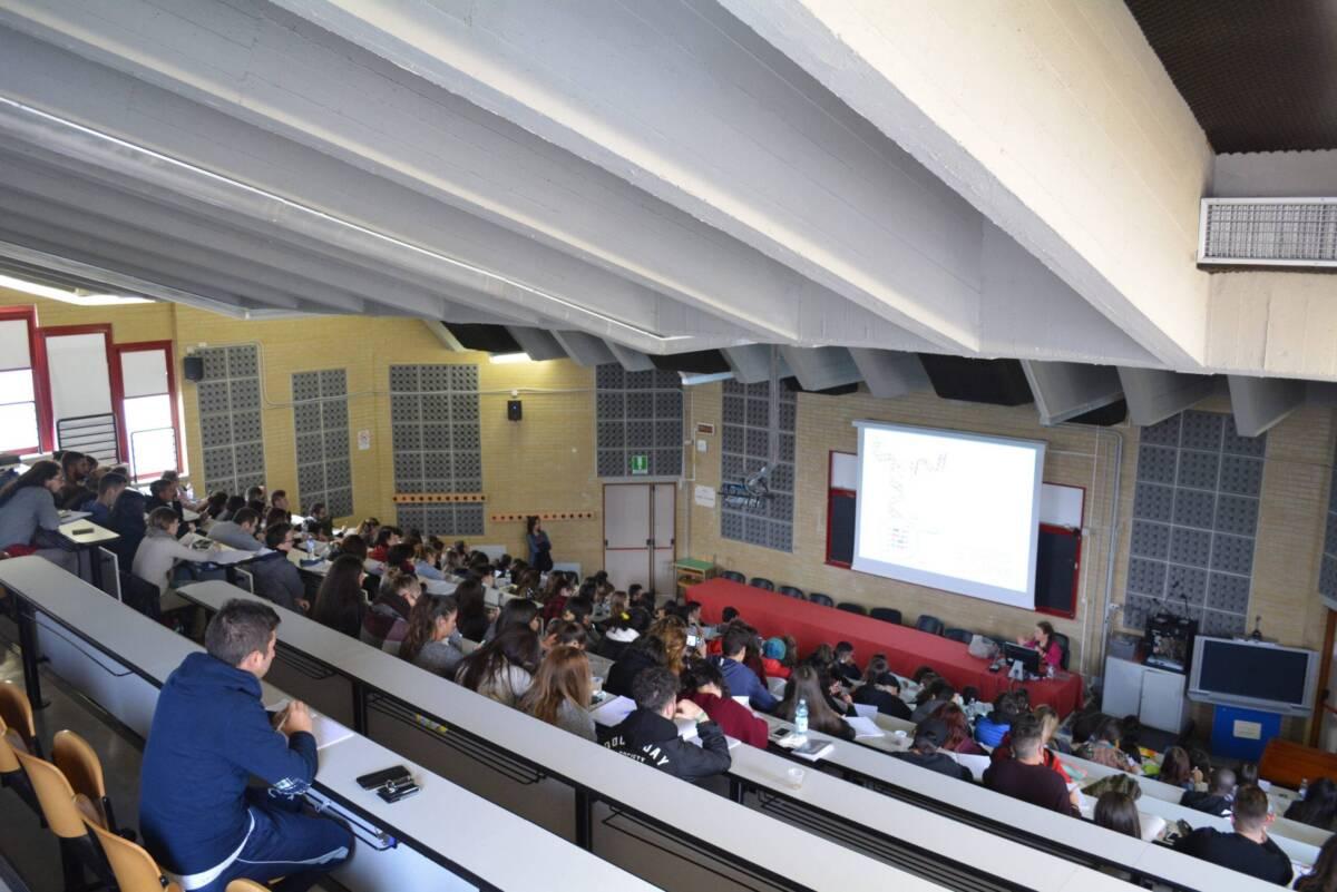 """""""follia-green-pass"""",-studenti-scrivono-a-univaq:-""""basta-discriminazioni,-test-salivari-gratuiti"""""""