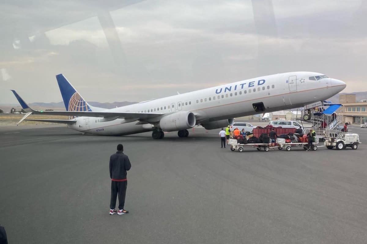 usa,-boeing-737-900-si-ribalta-all'aeroporto-di-lewiston