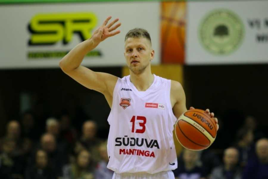 basket-c-gold,-due-nuovi-innesti-nella-farnese:-il-play-guardia-sabeckis-e-l'ala-grande-padovano