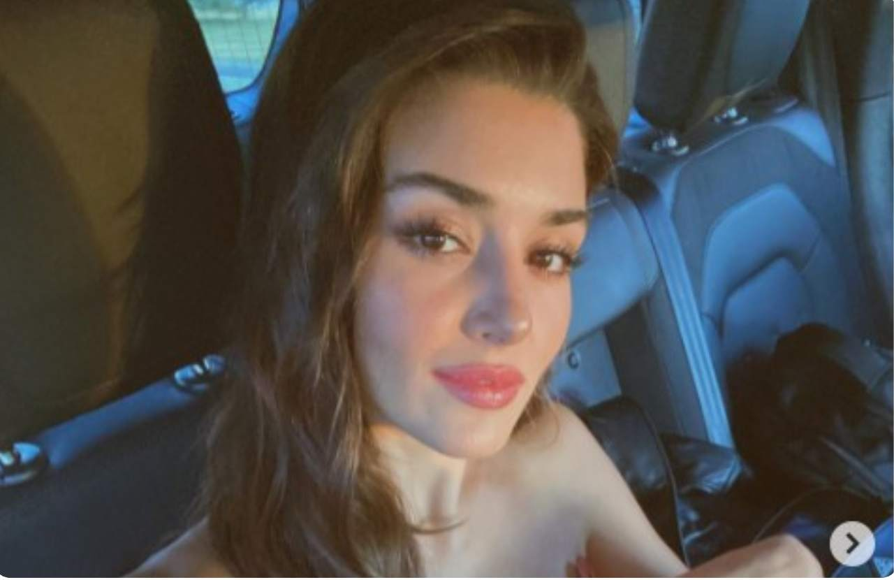love-is-in-the-air,-eda-con-capelli-cortissimi:-la-foto-dal-passato-dell'attrice-turca