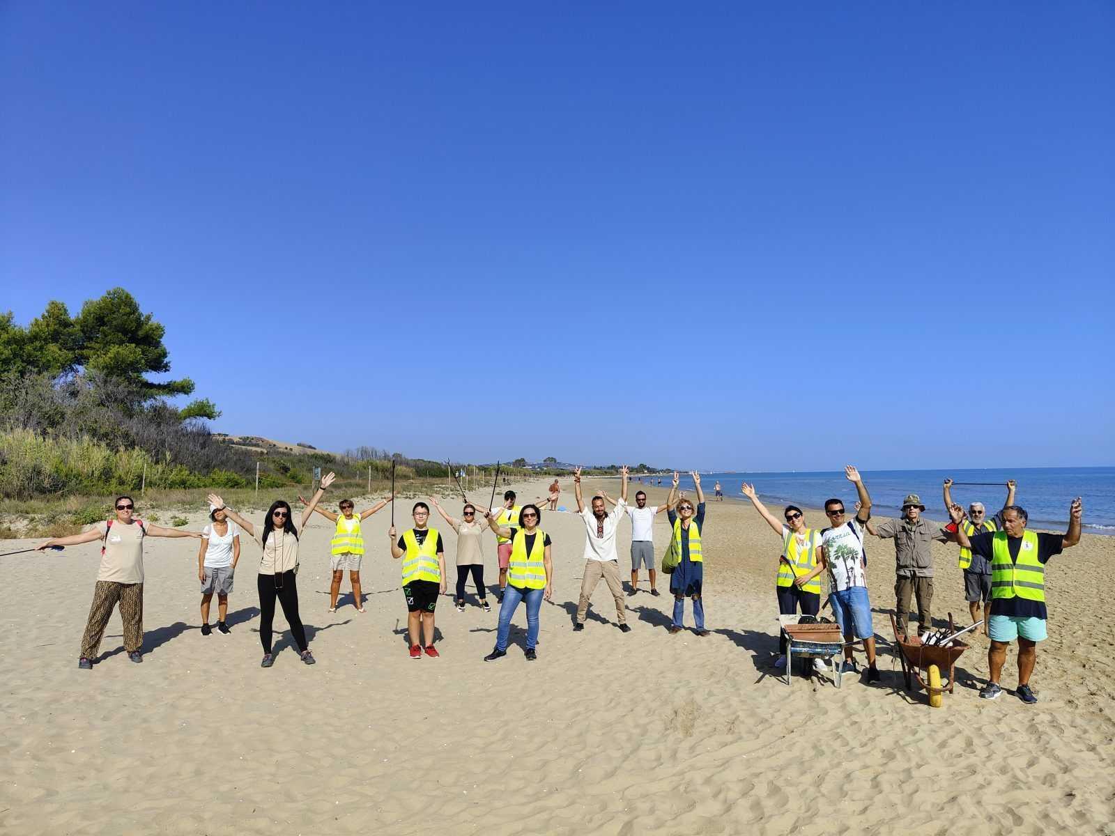 foto-|-borsacchio,-ripiantumata-la-duna-con-specie-autoctone:-rimedio-naturale-contro-erosione-costiera