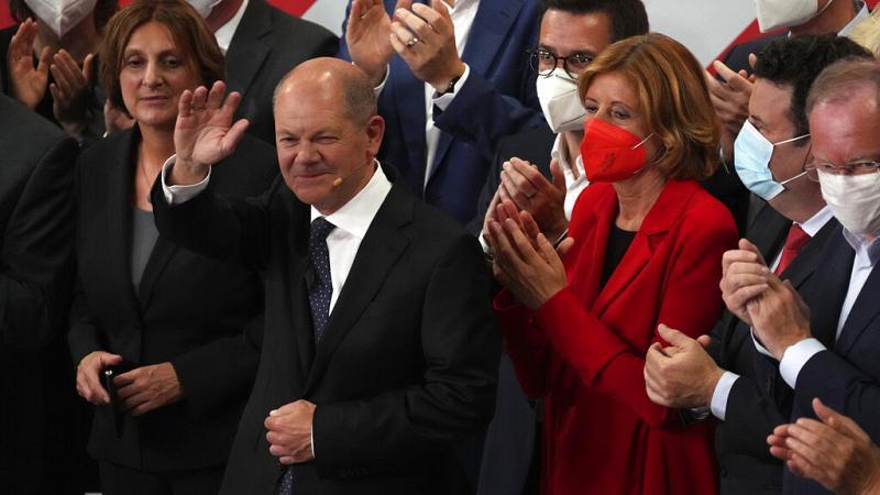 germania,-exit-poll:-testa-a-testa-scholz-laschet,-spd-rivendica-mandato