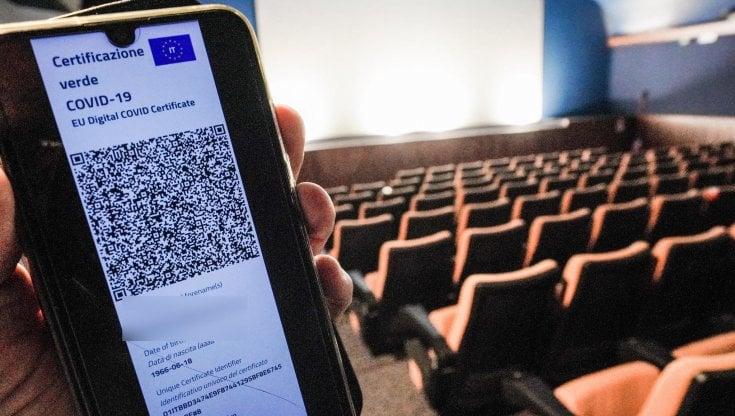svolta-su-cinema-e-teatri,-da-lunedi-pieni-all'80%-ma-e-lite-sulle-discoteche