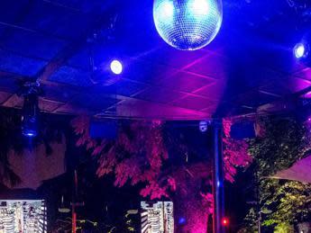 riaperture-e-green-pass,-regioni-aggiornano-linee-guida-ristoranti-e-discoteche