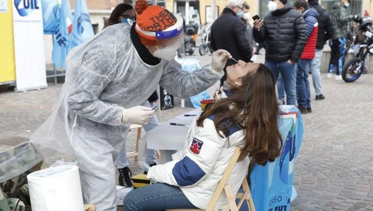 coronavirus-italia,-il-bollettino-di-oggi:-2.772-nuovi-contagi-e-37-decessi