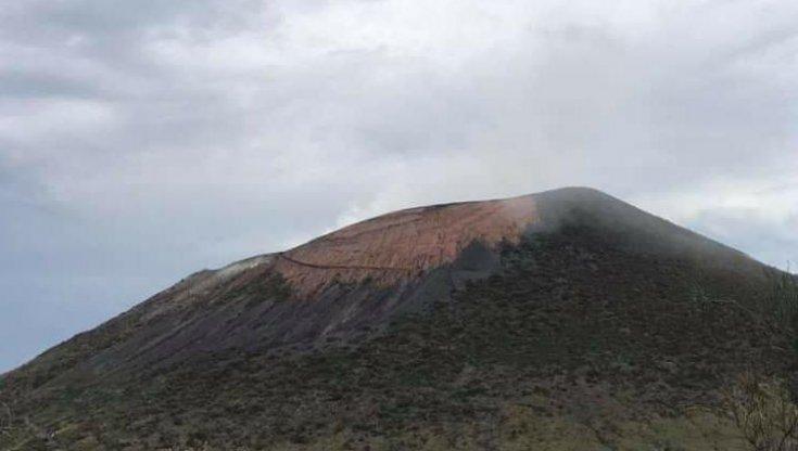 """vulcano,-continua-l'allarme:-""""flusso-di-gas-e-deformazione-del-suolo"""""""