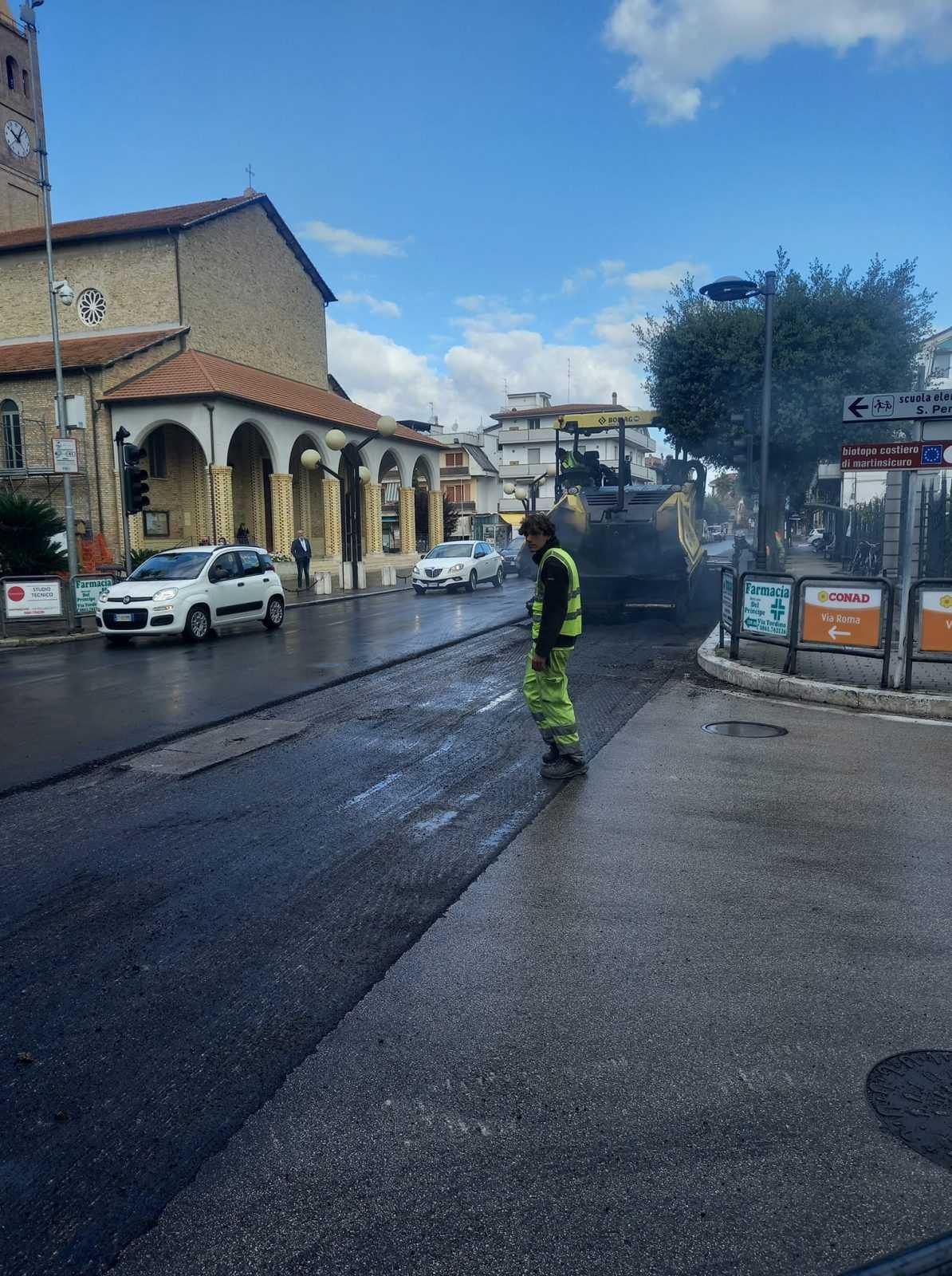 martinsicuro,-partiti-i-lavori-di-manutenzione-ordinaria-in-via-roma