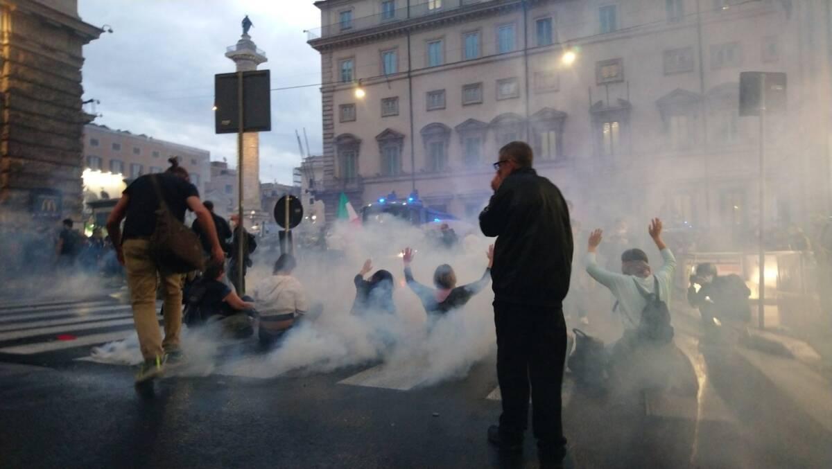 """no-green-pass-abruzzo:-""""no-alla-violenza-contro-questa-dittatura-spregevole"""""""